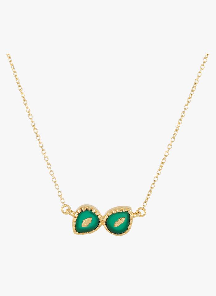 BE MAAD Vergoldete Messing-Halskette mit Steinen in Grün