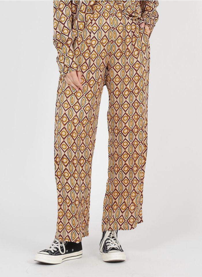 BELLA JONES Weite Hose aus bedrucktem Viskose-Satin in Violett