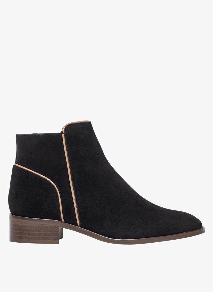 BOCAGE Stiefel aus Veloursleder in Schwarz