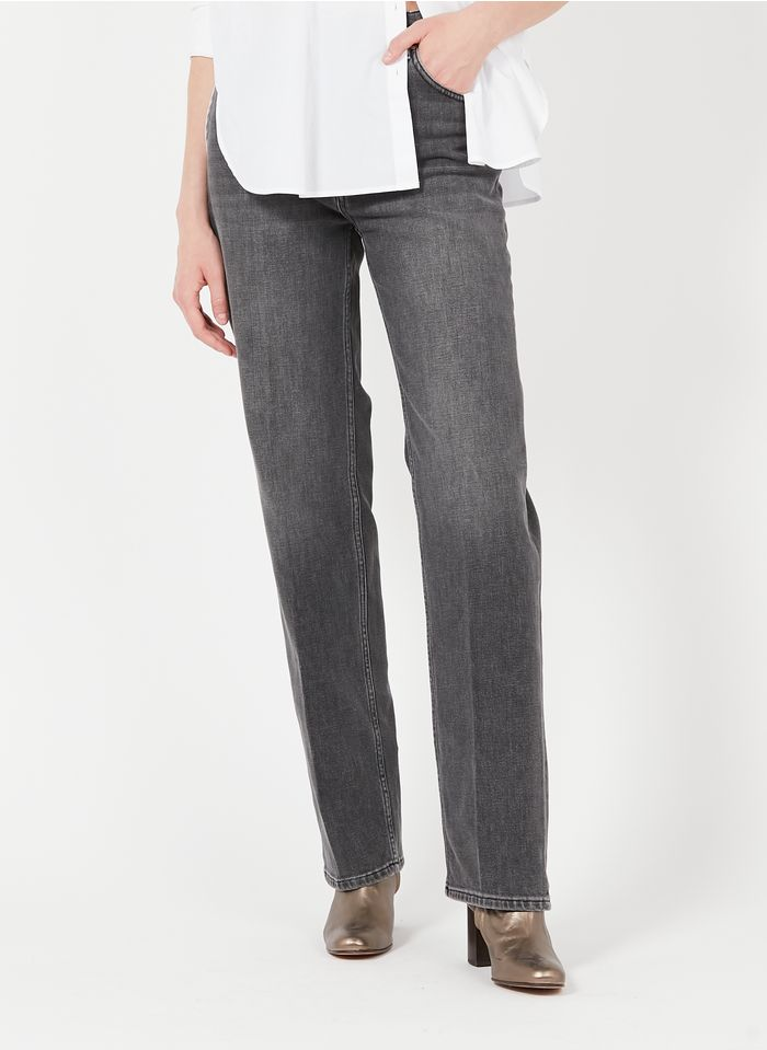 REIKO Straight Cut Jeans aus recyceltem Baumwoll-Mix in Bleached Jeans