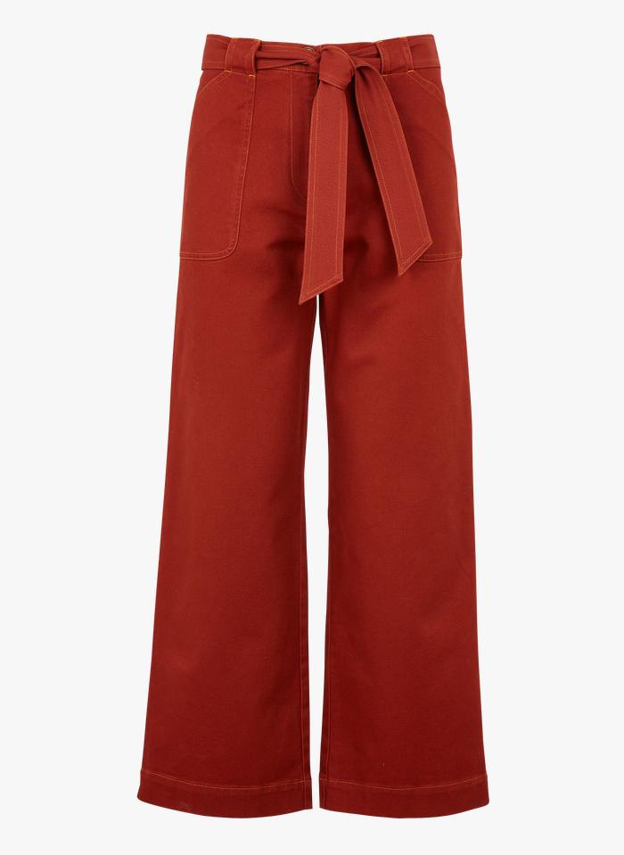 SESSUN Weit geschnittene Hose aus Baumwollgabardine mit Gürtel in Rot
