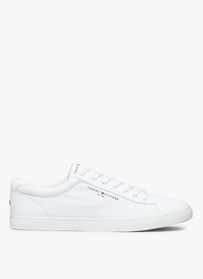 TOMMY HILFIGER Niedrige Baumwoll-Sneaker in Weiß