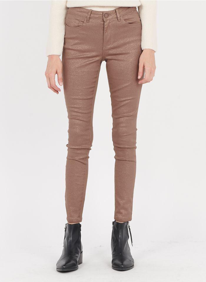 VILA Slim Fit Jeans mit Paillettenbesatz in Braun