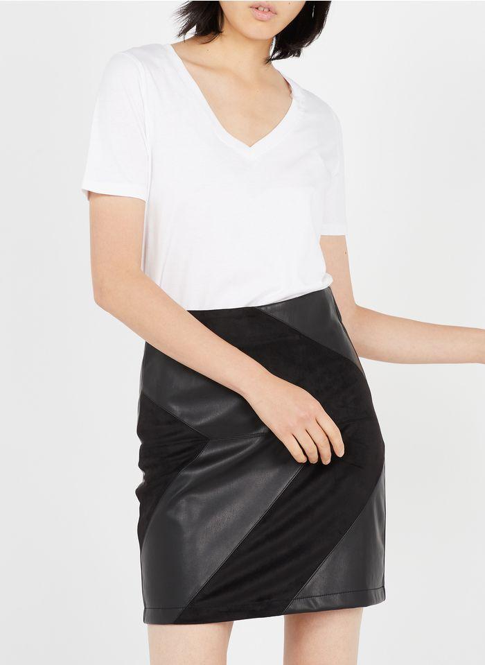 BEST MOUNTAIN Falda corta de poliuretano en negro