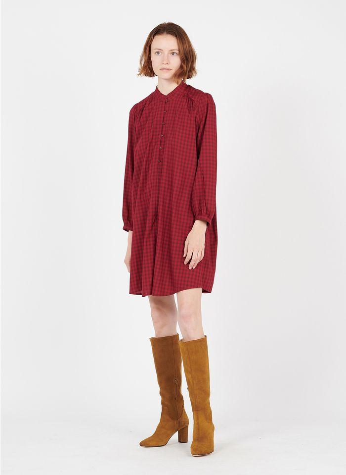 DES PETITS HAUTS Vestido corto de cuadros con cuello victoriano en rojo