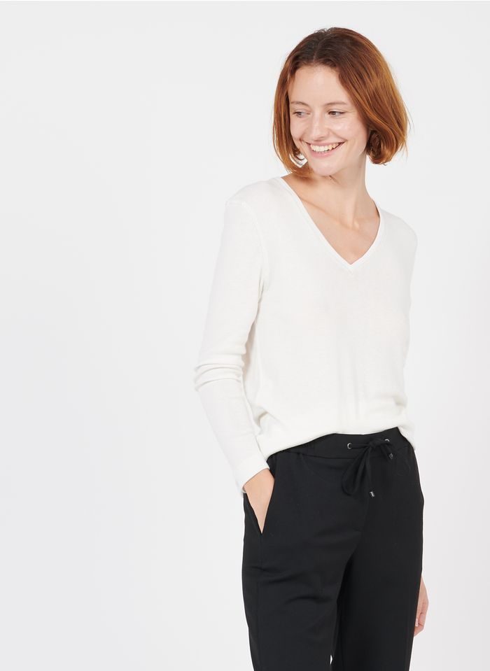 GERARD DAREL Camiseta con cuello de pico en blanco