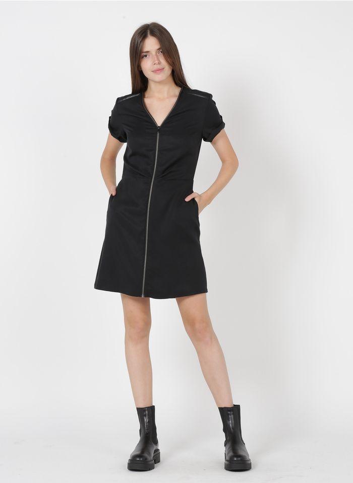 ONE STEP Vestido midi con cuello de pico y cremallera en negro