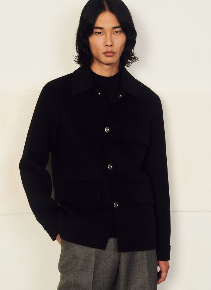 SANDRO Chaqueta regular fit de lana con cuello clásico en negro