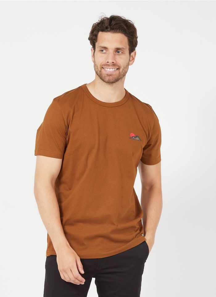 SELECTED Camiseta regular fit de algodón orgánico bordada con cuello redondo en marrón