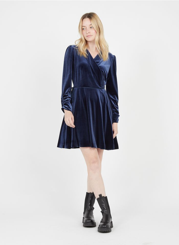 TWINSET Vestido corto cruzado de terciopelo en azul