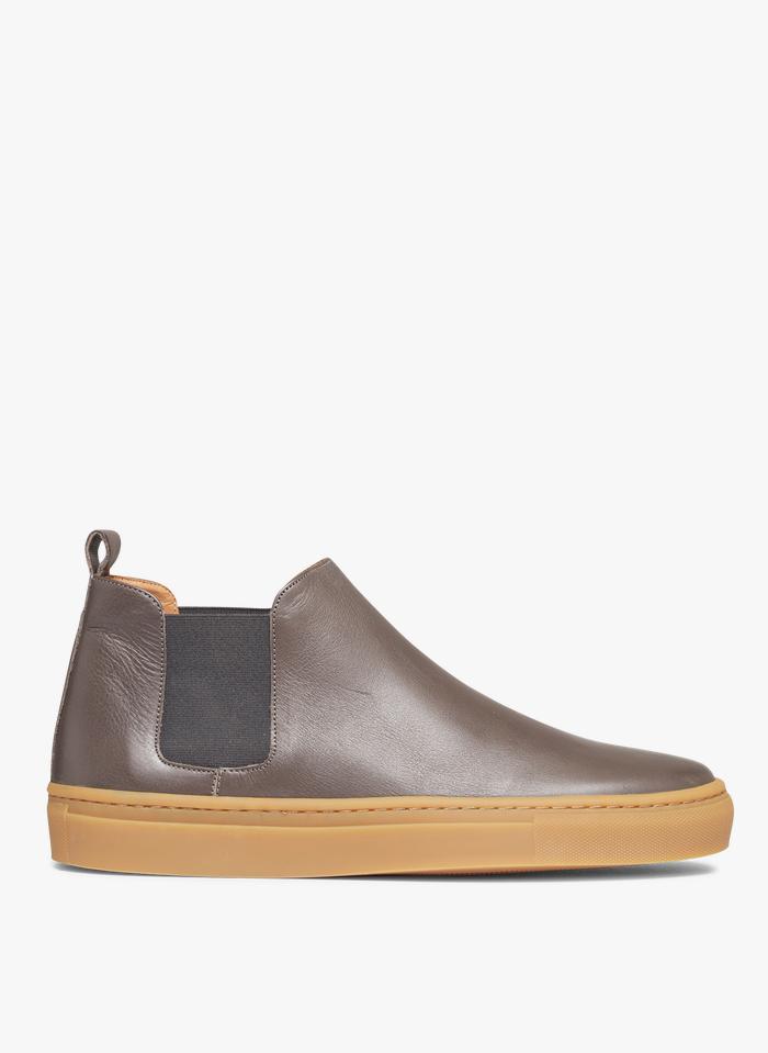 ANTHOLOGY PARIS Boots en cuir Gris