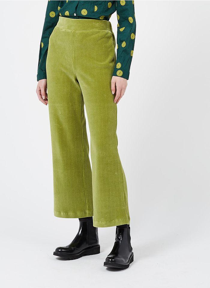 NICE THINGS Pantalon large en velours côtelé Vert