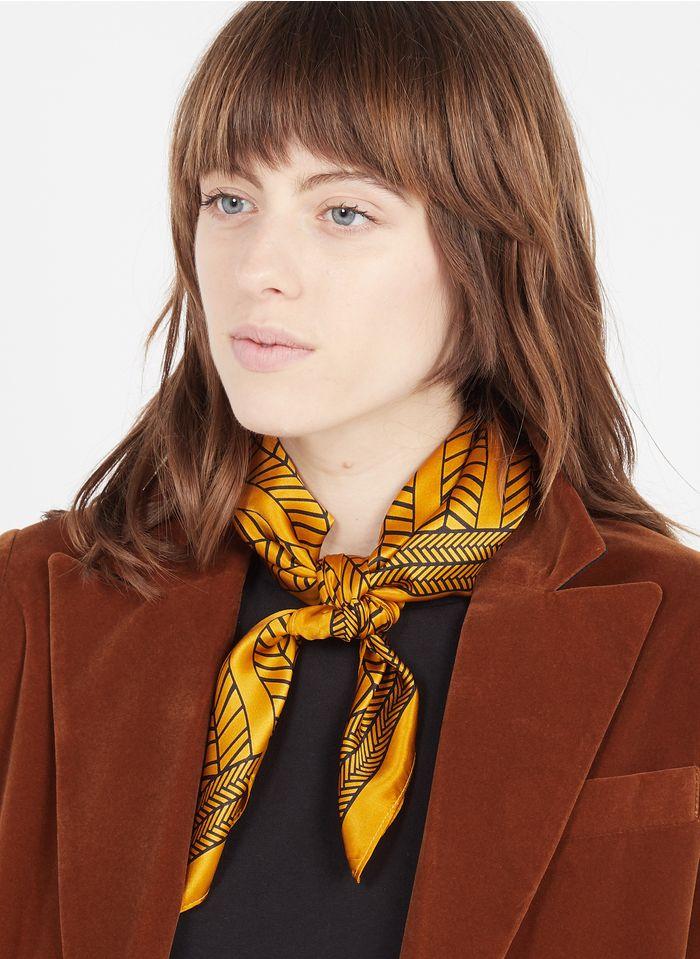 MAISON 123 Vierkant, zijden sjaaltje met print Bruin